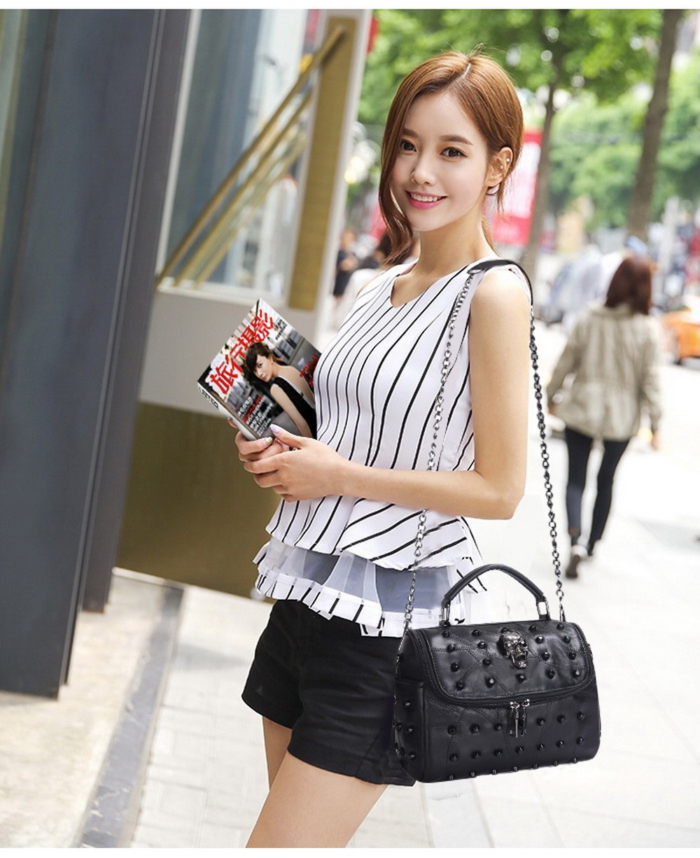 China leather messenger bag Suppliers