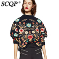 SCQP Colorido Floral Bordado Sudadera Invierno 2016 Moda Casual Suéteres Para Mujer Femme Negro Flojo Suéter de Punto