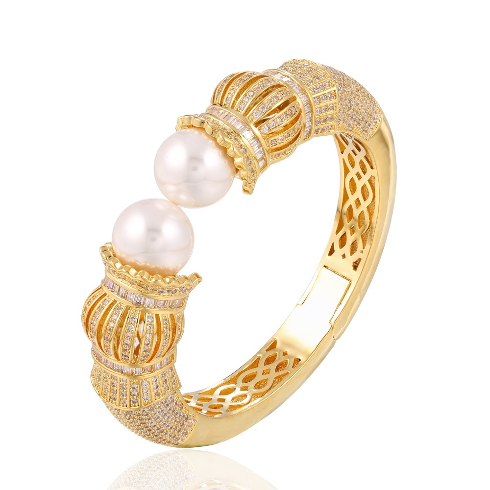 GrayBirds New Look AAA CZ Women Luxury Shell Pearl Bangle Wedding Bangle Free Allergy Cadmium Free QTB007