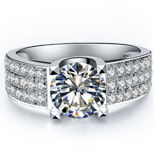 Synhetic Engagement Ring