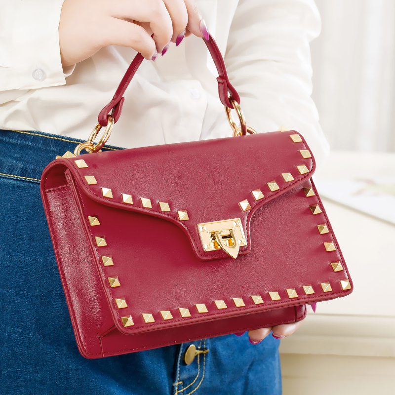 Luxury Fashion Handbags Women Gold Rivet Messenger Bags High Quality Leather Shoulder Crossbody Bag Famous Brand Lady Purse Sacs bailar fashion women shoulder handbags messenger bags button rivets totes high quality pu leather crossbody famous brand bag