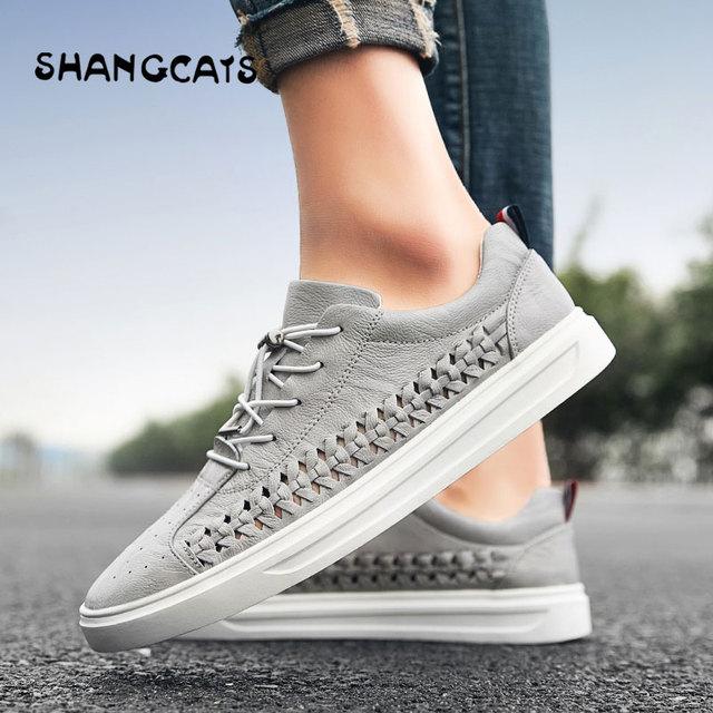 6440a668b Calidad superior de los hombres calzado vulcanizado zapatos para otoño  tejido a mano Blanco clásico cuero Simple estilo zapatillas