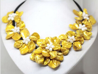 FREE SHIPPING>>>@@ > N2130 beauty Yellow mother of pearl shell handmade 7 flower necklace 18 fashion jewel