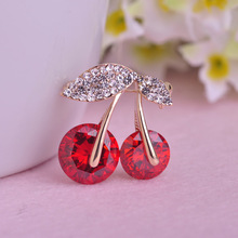 Blucome Hot Sale Jewelry Red Cherry Brooch Crystals Big Rhinestones Fruits Brooches Shining Corsage Women Dress Pins Scarf Clips