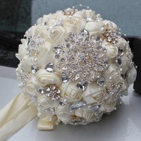 Hot sale Ivory White Cream Brooch Bouquet Wedding Bouquet de mariage Polyester Wedding Bouquets Pearl Flowers buque de noiva2017