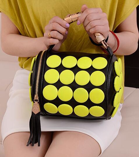 Women's Handbags Boston Bags Ladies Tassel Button Messenger Bags Leather Shoulder Bags Designer Bucket Bag Clutch Bolsas