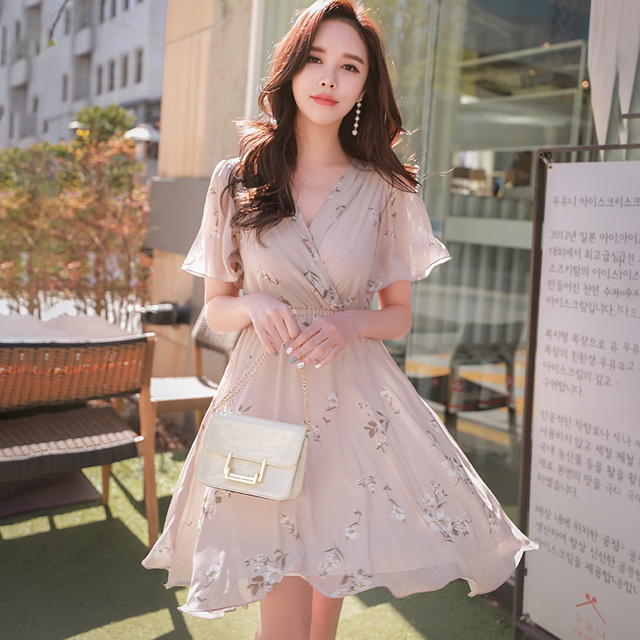 Dabuwawa Summer New Pink Floral Print Midi Dress Women Ladies Girls Elegant V-Neck Ruffles Holiday Dresses D18BDR004