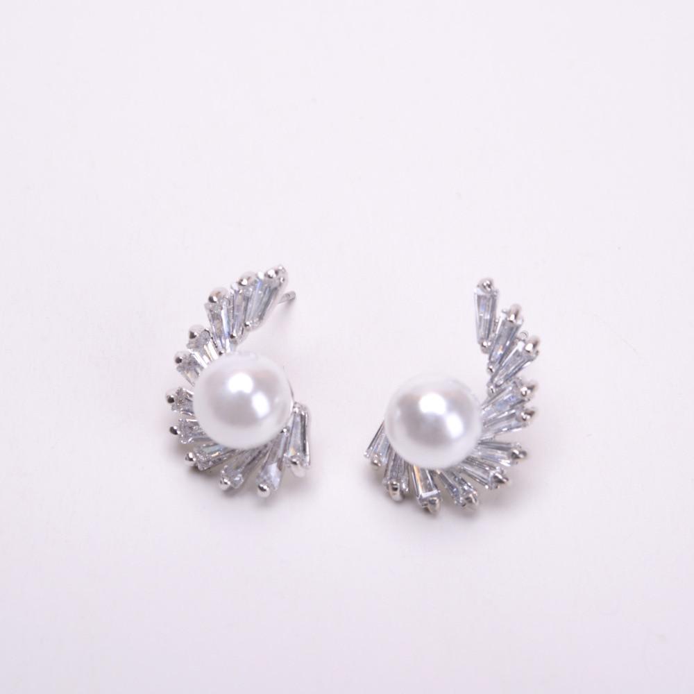 Angel Wings Earrings Fine Jewelry Accessories Pearl Earrings Funny Body Jewellery Gold Silver Women Fashion Zircon Stud Earring