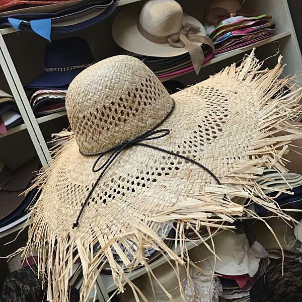 01902 axi sell hot wind brim summer handmade raffia beach sea holiday take photo lady sun hat leisure cap women leisure hat in Women 39 s Sun Hats from Apparel Accessories