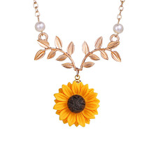 Delicate Sunflower Pendant Necklace For Women Creative Imitation Pearl Jewelry Necklace Clothes Accessories Wedding Jewelry poputton imitation pearl sunflower necklace for women clothes accessories 3 colors sun flower pendant necklaces wedding jewelry