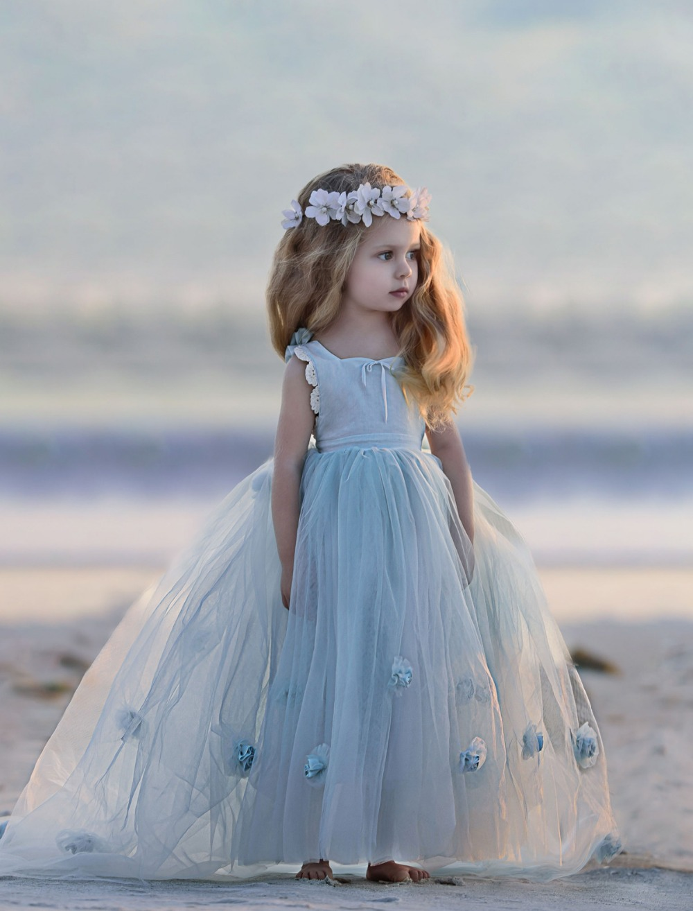Adorable Mist Tutu Tulle Baby Flower Girl Dress Sleeveless Hollow Back Puffy Ball Gown with Handemade Flowers 0-12 Years Old