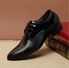 Black Patent Leather Shoes Men Pointed Toe Dress Shoes Breathable Fashion Male Wedding Shoes Men's Flat Oxford Shoes