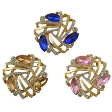 Beauty Romantic Women Gold  Alloy Full Crystal Rhinestones Flower Buckle Brooch Scarf Clothing Luxury Jewelry Accessories Gift