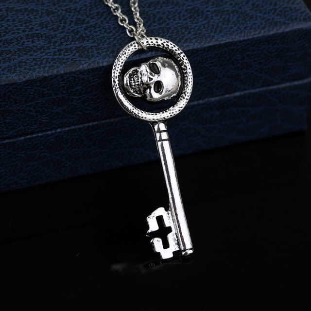 Classic Movie Evil Queen Skeleton Skull Key Necklace Statement Vintage Accessories Hot Jewelry For