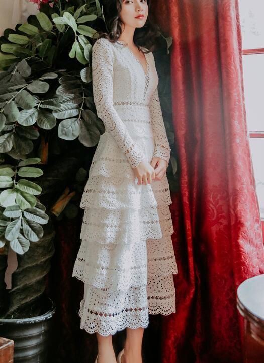 Haute qualité Best-seller élégant parti reine 2019 nouveauté col en V recueillir taille dentelle femme longue robe blanche