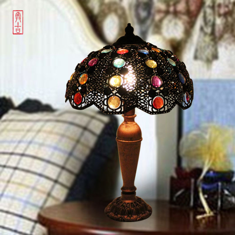 European luxury large bedroom living room luxury gift retro table lamp bedside lamp Creative Arts A-8