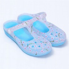 Summer Thick Sandals Flower Woman Croc Anti-Skid Hole Jelly Shoes FlatsCreepers
