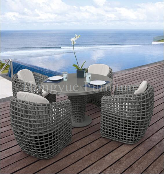 Round rattan dining set table chairs dining table chairs in rattan materials outdoor garden dining set