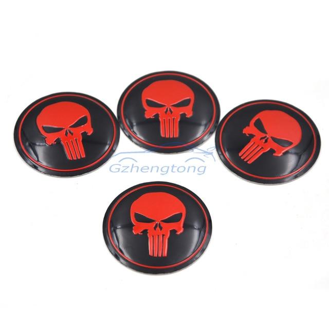 2231b4834e3 56mm Rojo Punisher Logo Coche Modificado Etiqueta Etiqueta de Dirección Auto  Insignia Del Emblema del Centro