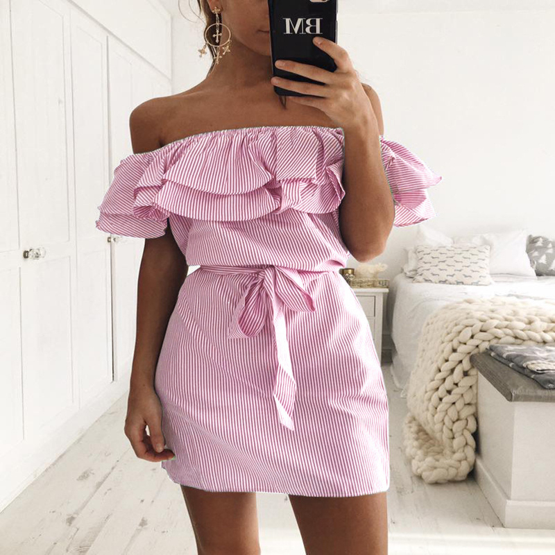 2018 Spring and summer retro elegant ruffled sexy strapless belt ladies dress Bohemian fashion ruffled striped sexy mini dress