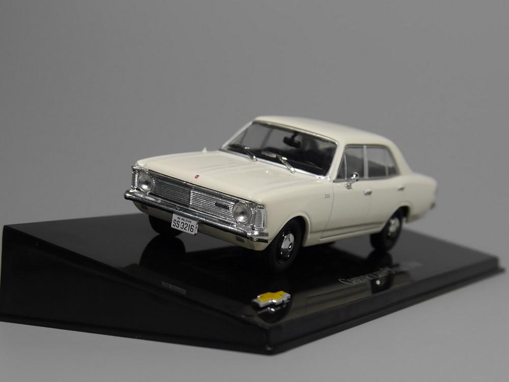 Chevrolet opala 1968 diecast modelo carro-ixo 143