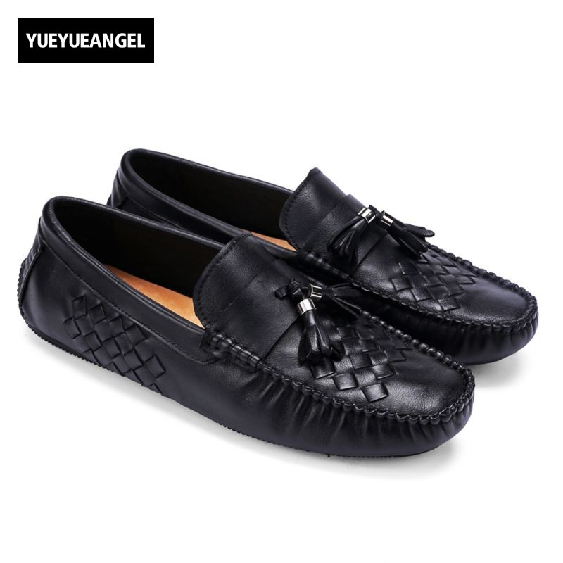 Retro High Quality Brand Fashion Men Soft Genuine Leather Slip On Male Casual Shoes Tassel Loafers Plus Size Flats Outdoor Shoes male casual shoes soft footwear classic loafers men leather shoes fashion high quality business shoes male aa30142