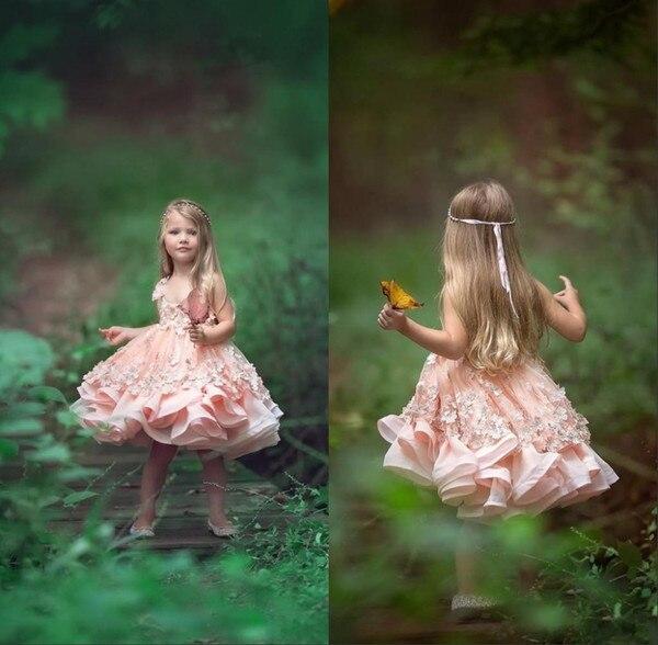 2018 Pink Toddler Flower Girls Dresses For Weddings Spaghetti Appliques Sleeveless Tiered Knee Length Short Girls Pageant Dress