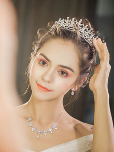 Image 2 - New Brides Heart Shape Full Zircon Brides Tiaras Crowns Sparking Bridal Hairbands Plated Crystal Wedding Hair Accessories