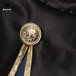 Image 5 - Rolecos黒クローバーアニメコスプレ衣装astaマント黒牛マントfinral roulacaseコスプレ衣装ハロウィーンパーティーのため
