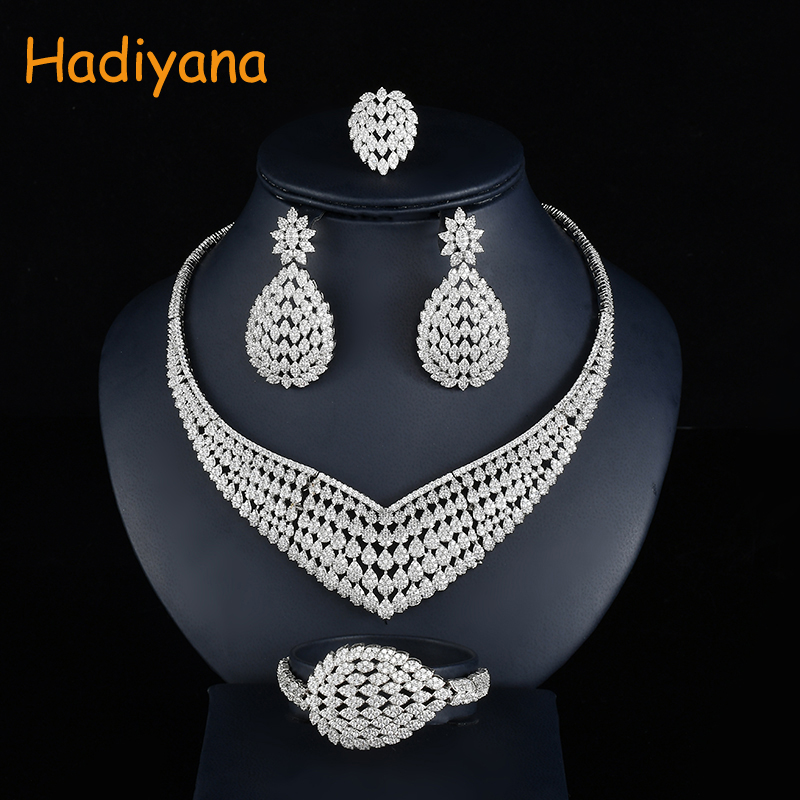 Hadiyana Fashion Floral Bridal Wedding Jewelry Sets With Clear Zincons New Flower Women Engagement Jewelry Accessories Set CN754Hadiyana Fashion Floral Bridal Wedding Jewelry Sets With Clear Zincons New Flower Women Engagement Jewelry Accessories Set CN754