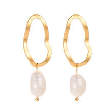 Fashion Korean Version of Hot Selling Earrings Temperament Pearl Irregular Geometric Gifts