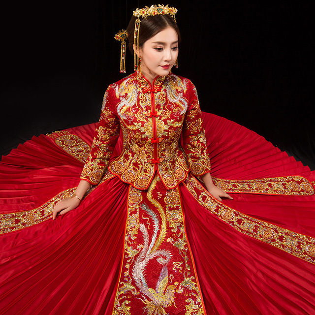 274831310ee93 US $15.05 49% OFF|Long Sleeve Chinese Traditional Wedding Dress Women  Phoenix Embroidery Cheongsam Red Qipao Evening Gown China Bride  Traditions-in ...