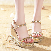 2017 Superior QualitySummer style comfortable Bohemian Wedges Women sandals for Lady shoes high platform open toe flip flops