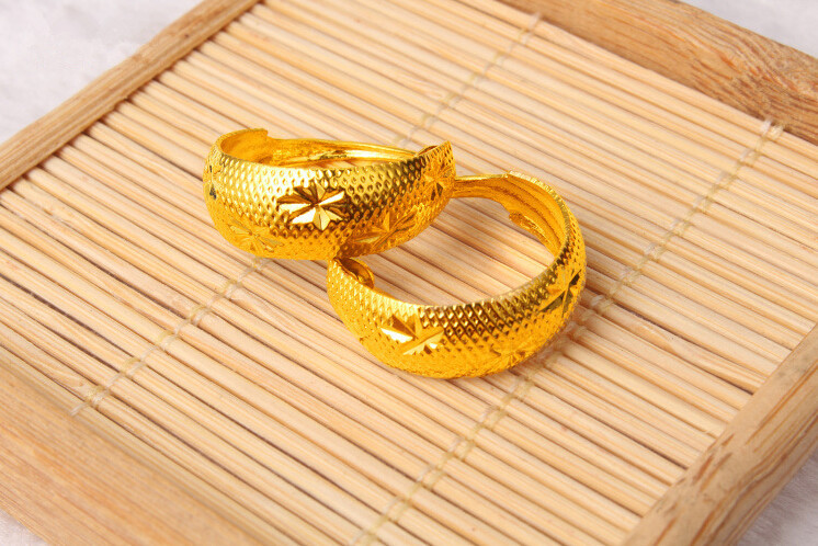 f51c35127 12X 6Pairs Men Lady Jewellery Imitation 24K Gold Hoop Ear Rings Earrings  Wholesale Free Shipping-in Hoop Earrings from Jewelry & Accessories on ...
