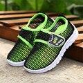 2016 Niños Calientes de la Venta deportes zapatos Niños zapatillas de deporte respirables Del Acoplamiento Del Verano antideslizante amortiguación zapatos cómodos