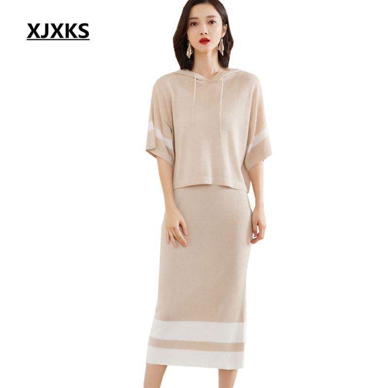 Kadın Giyim'ten Kadın Setleri'de XJXKS kadın iki parçalı set 2019 ilkbahar yaz yeni moda kapşonlu yaka üst elastik etek rahat rahat kadın giyim'da  Grup 1