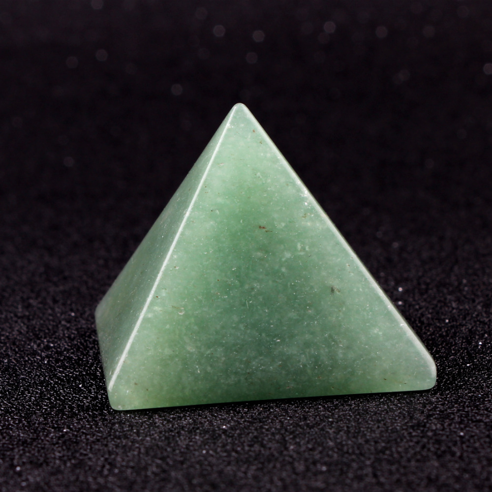 40*30mm Natural Aventurine Pyramid Shape Decoration Natural Stone Carved Crafts Point Chakra Healing Reiki Crystal Free Pouch40*30mm Natural Aventurine Pyramid Shape Decoration Natural Stone Carved Crafts Point Chakra Healing Reiki Crystal Free Pouch