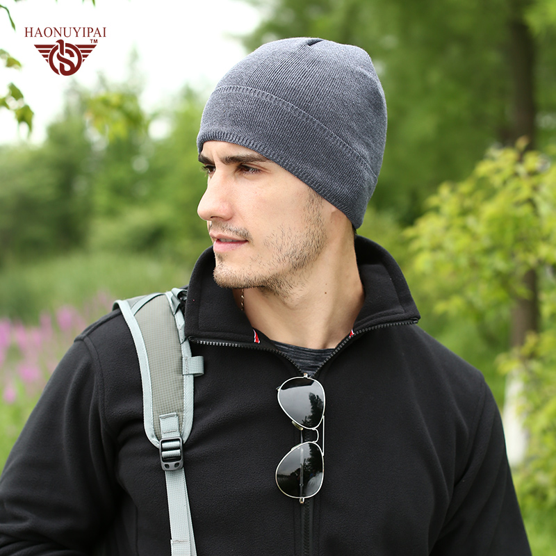2017 Winter Fashion Skullies Beanies For Men Women Brand Casual Warm Plus  Cashmere Hat Keep Warm Acrylic Knited Hat-in Skullies   Beanies from  Apparel ... d56a6a28843a