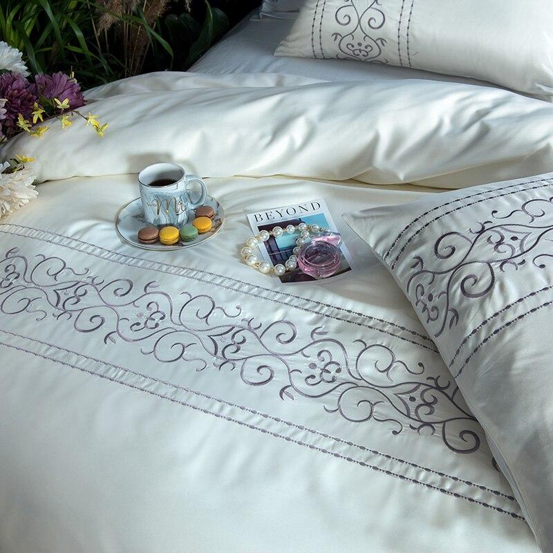 (6)  White silver cotton imitate silk luxurious Bedding Set queen king measurement mattress set Bedsheets linen Europe embroidery Quilt cowl set HTB1URNApeuSBuNjSsplq6ze8pXam