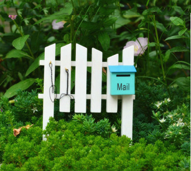Mailbox fence fairy garden miniature figurines moss for Jardin miniature