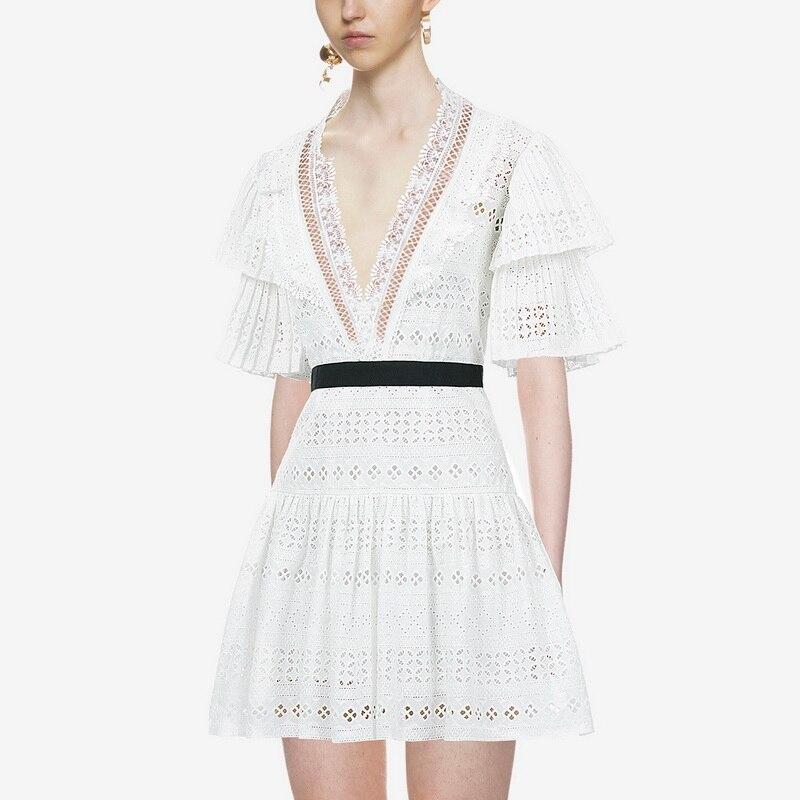Formelle Vintage De V Dentelle Blanc Dîner Mode cou Boutique Rouge Luxueux Angleterre Femmes Robe Sexy Style Élégant 2018 5wapnZ