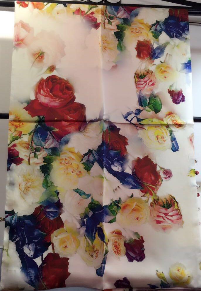 Nouveau Design femme foulard en soie carré Satin foulards pour femmes tête écharpe pour cheveux soie cheveux écharpe pour dormir