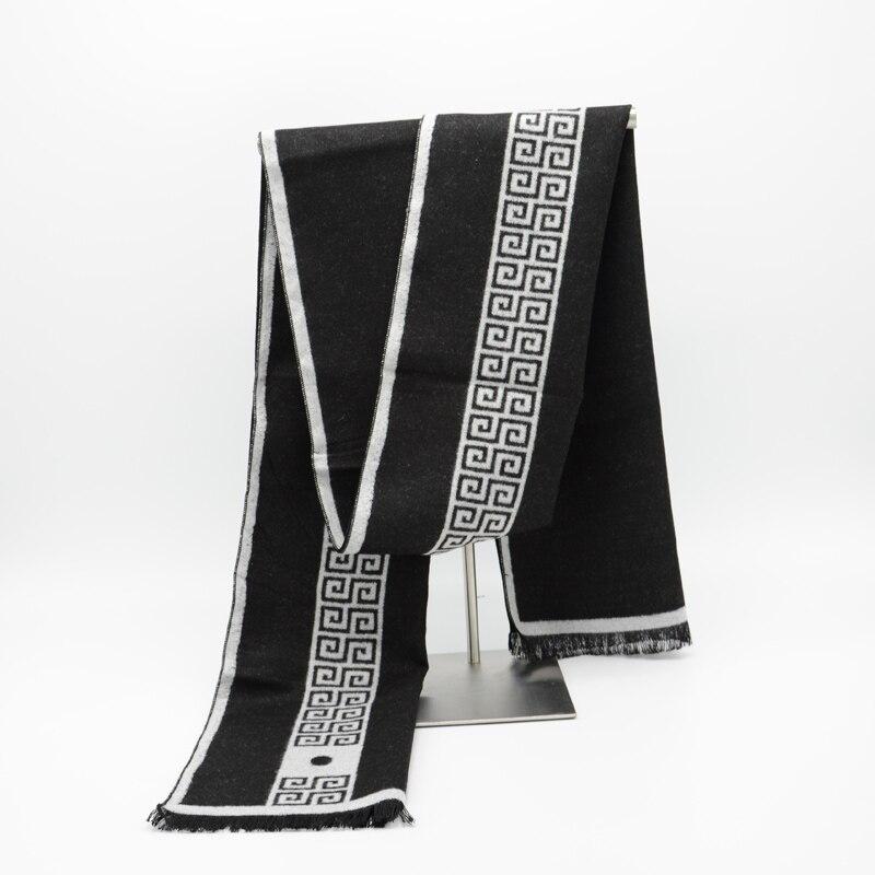 2018 Men Scarf luxury brand designer Men Classic Cashmere Scarf Winter Warm Soft Tassel fashion Women Shawl Wrap New Scarves