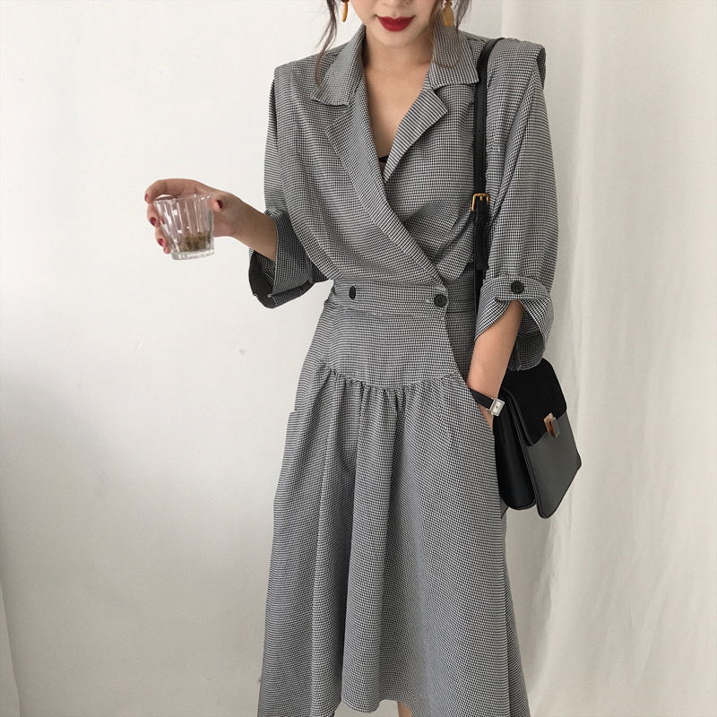 2017 women's autumn long sleeve high waist plus size plaid irregular length thin trench coat female double breasted windbreaker