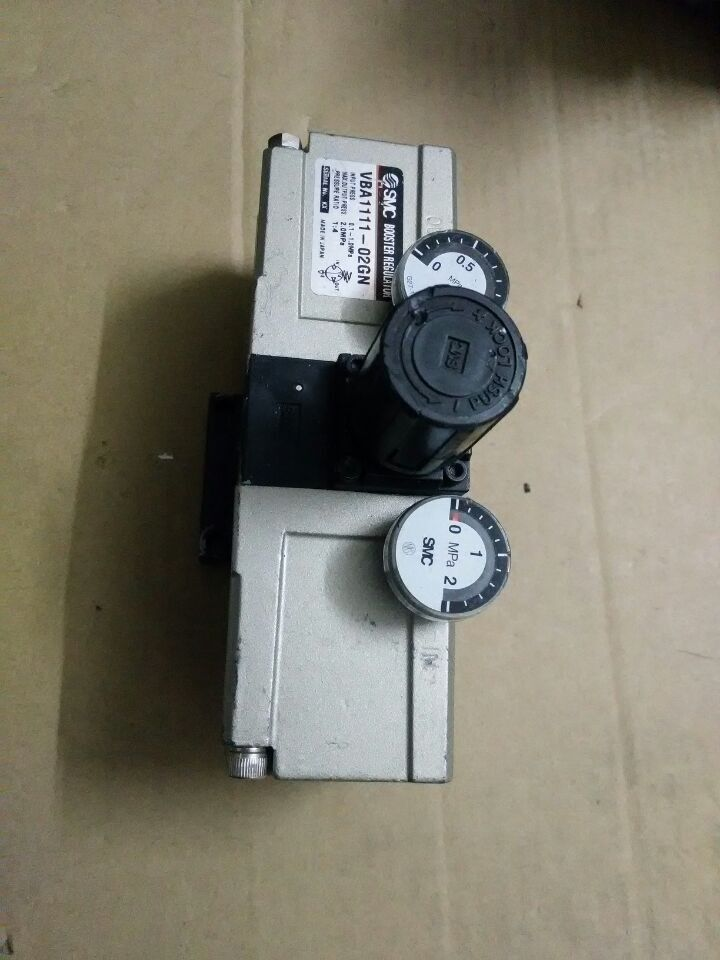 BRAND NEW JAPAN SMC GENUINE BOOSTER REGULATOR VBA1110-02 brand new japan smc genuine regulator ir3020 02