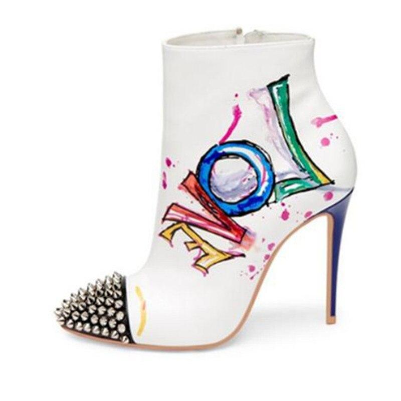 Nuevo diseñador de moda mujer Otoño Invierno zapatos coloridos graffiti botas cortas con tachuelas puntera tacones tobillo botas-in Botas hasta el tobillo from zapatos    1