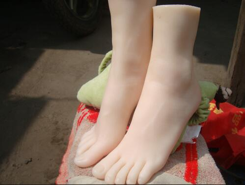 Free Shipping!15cm 32# female(little girl) Silicone Fake Foot,Inner-Bone Inside,Toe Move Freely,Feet Model,Shoe Model silicone female fake foot feet model for men 36 yard shoe model foot fetish sex toys drop shipping