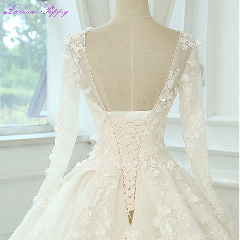 Image 5 - Glamorous Women's Lace Appliques A line Wedding Dresses 2019 Long Sleeves Scoop Neck Vestido de Novia Bridal Gowns with Flowers-in Wedding Dresses from Weddings & Events