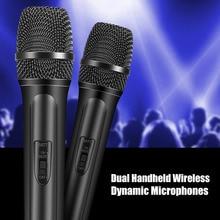 कराओके गायन यूएस प्लग के लिए दोहरी हैंडहेल्ड वायरलेस गतिशील माइक्रोफोन + एलसीडी रिसीवर सिस्टम