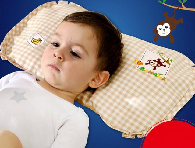 Shipiing livre casca de trigo sarraceno forma bebê recém-nascido travesseiro para corrigir enxaqueca travesseiro confortável respirável 1-3 anos de idade para uso